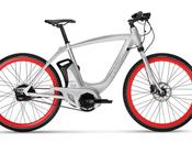 Piaggio Wi-Bike: chicos Vespa presentan