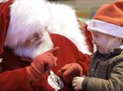Papá Noel sorprende utilizar lenguaje signos para comunicarse niña