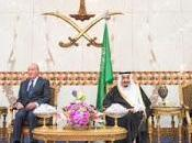 Arabia Saudí, hundida represión, homenajea Juan Carlos.