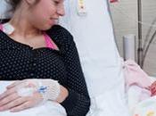 Cama hospital cuna para fomentar apego inmediato entre madre bebé