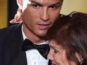 Cristiano Ronaldo regala Porsche madre