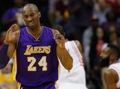 Esperando momento, Kobe deja baloncesto.