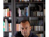 Encuentro Salvador Navarro autor Huyendo