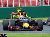 Ricciardo culmina puertas podio, mientras Kvyat inicia carrera
