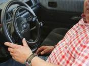 Andrés dona vehículo adaptado padre quien necesite