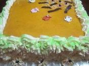 Tarta rellena yema decorada nata