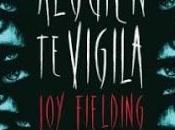 Reseña 'Alguien vigila' Fielding