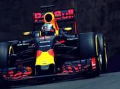 Horner asegura Ricciardo renovará Bull