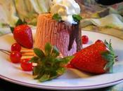 Postre helado fresas nata