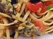 Tallarines alcachofas, tomate, jamón serrano albahaca
