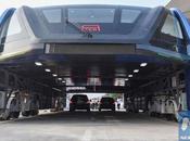 autobús chino 'levita' sobre atascosYa com...