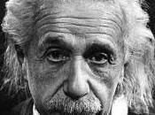 Albert Einstein malo capitalismo