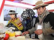 Deliciosos Quesos Chumbivilcas degustaron Congreso Internacional Relaciones Comunitarias
