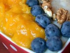 Gachas avena mango arándanos