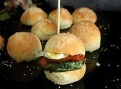 Hamburguesa Mini Espinacas Pollo, Tomate Rosa Confitado Huevo Codorniz: +CocinerosdelMundo