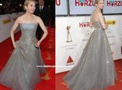 Renee Zellweger, exquisita Carolina Herrera, Golden Camera Awards Berlín