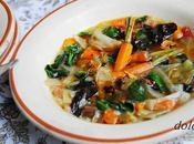 Menestra verduras caldosa refrito ajos pimentón
