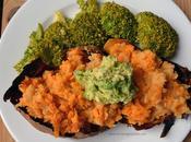 Boniato relleno lentejas aguacate brócoli