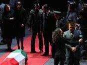 vespri siciliani Acto mujer canta tras muerte hermano.