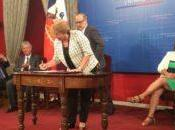 Presidenta Chile firmó Proyecto crea Ministerio Ciencia Tecnología