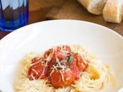 Albóndigas tomate espaguetis