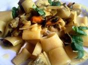 Pasta alcachofas mejillones Paccheri carciofi cozze