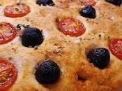 Focaccia olivas tomates