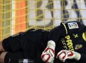 Sergio Asenjo sufre cuarta rotura ligamento cruzado