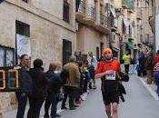 carrera entre olivos