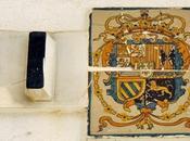 Escudos Reales Plaza Contratación.