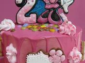 Minnie drip cake