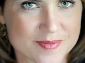 "Lisa Gardner inicia más"" serie Tessa Leoni"