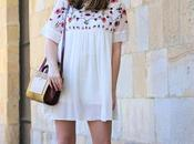 Outfit vestido bordado