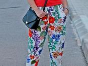 Pantalones fluidos estampado floral