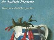 solitaria pasión Judith Hearne: crucifijos alcohol