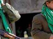 Tropas Gadafi detienen ofensiva rebelde costa