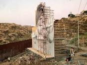 niño observa tierra norteamericana desde México este proyecto contra muro Trump