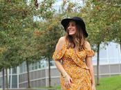 Outfit vestido amarillo sombrero