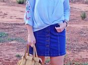 Blusa bordada falda denim