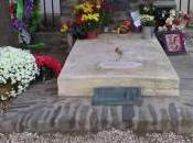 tumba Machado recibe cientos visitas homenajes
