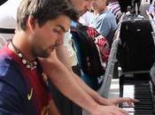 pianos verticales invaden aeropuertos estaciones media Europa