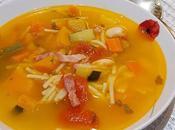 Sopa verduras pasta bacon ahumado