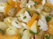 Ensalada malagueña patatas, bacalao, naranjas aceitunas.