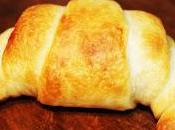 Croissants beicon queso