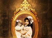 niña hacia hablar muñecas (Pep Bras)