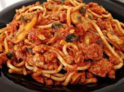 Espaguetis boloñesa champiñones calabacín