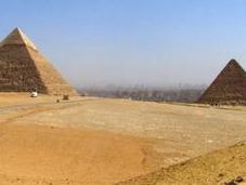 Cairo: sombra pirámides