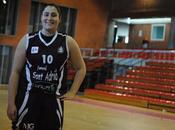"""Marta Claret: """"Somos profesionales, aunque podemos dedicar profesionalmente baloncesto"""""""