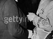 Yugoslavia, dificultades, decide unirse 21/03/1941