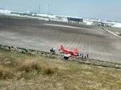 Aterriza emergencia avioneta cerca aeropuerto toluca